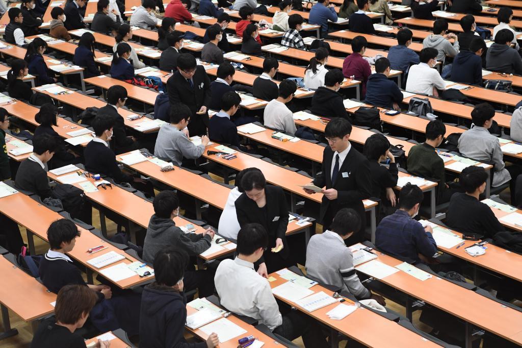 コロナ禍の大学入試トレンド 理系は「情報・理工」が人気、文系は「国際」が穴場に?〈AERA〉(AERA dot.) - Yahoo!ニュース