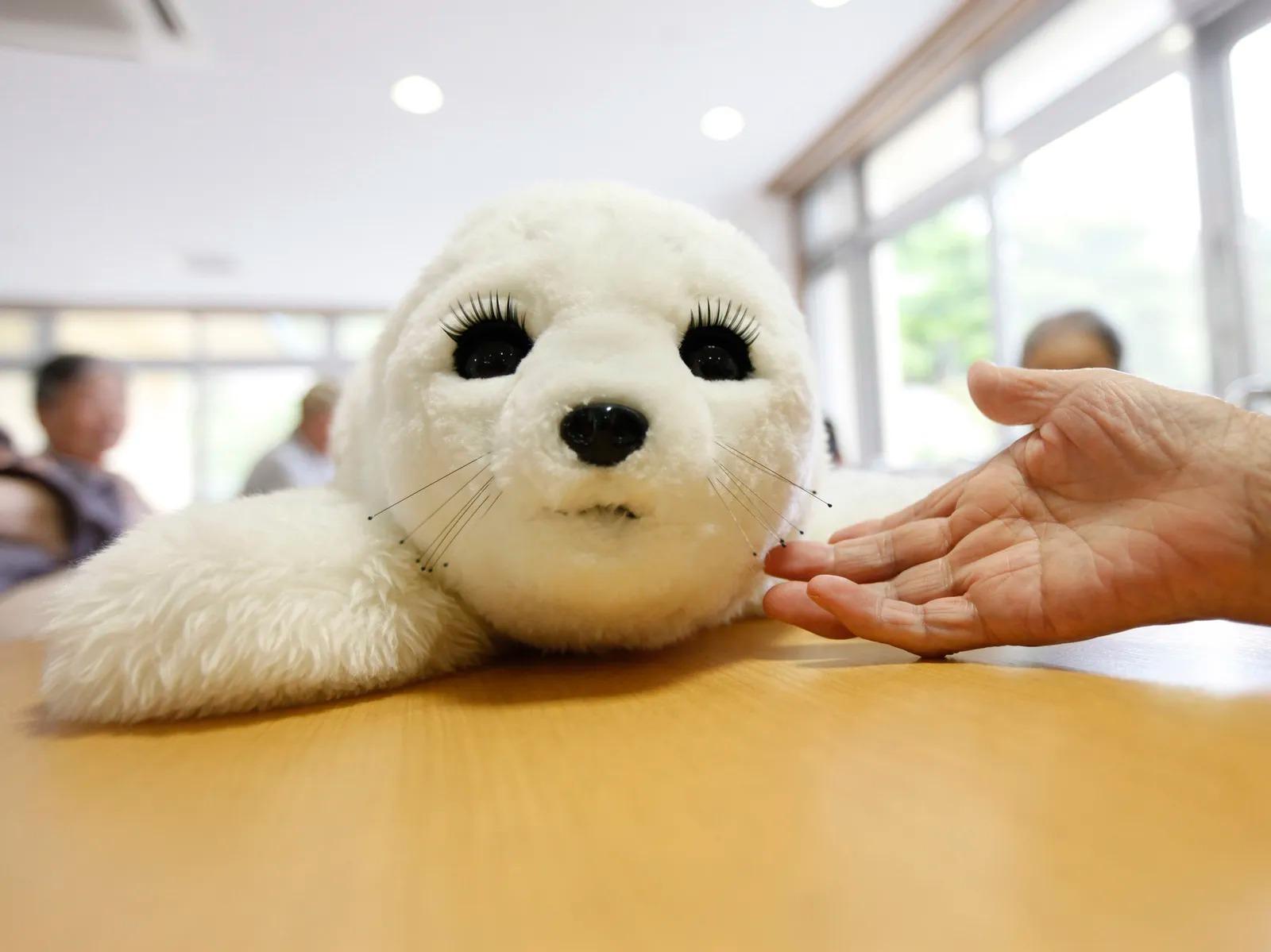 「触れ合えない時代」のいま、コンパニオンロボットが注目されている(WIRED.jp) - Yahoo!ニュース