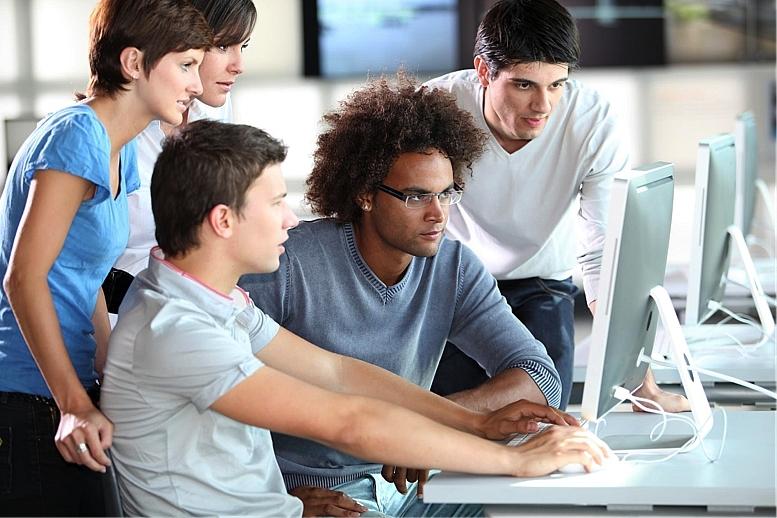 電通、組織の課題を可視化するダッシュボード開発--従業員の意見をAIで分析 - ZDNet Japan