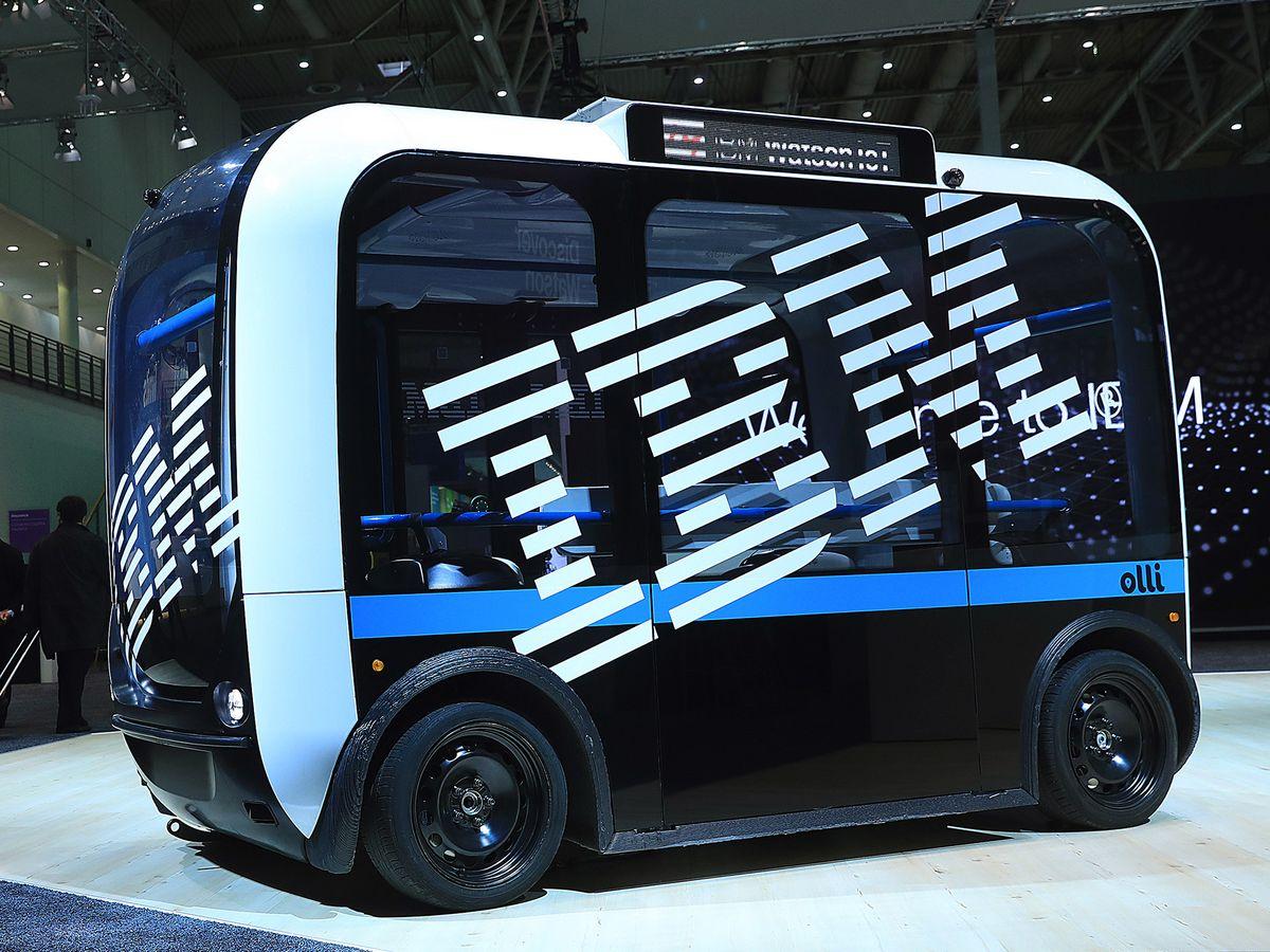 IBMの7-9月売上高は市場予想上回る、クラウド事業の伸びが寄与 - Bloomberg