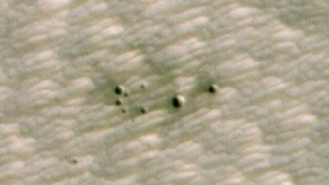 火星にできた小さな新しい衝突クレーター、AIを活用して発見 | sorae 宇宙へのポータルサイト