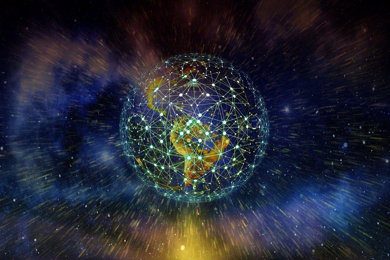 ICTとは|IT・IoTとの違い、情報通信技術の活用事例、Society 5.0まで